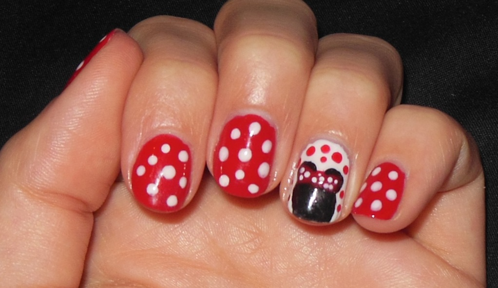 Minnie mouse nail art a sparkling finish prinsesfo Image collections